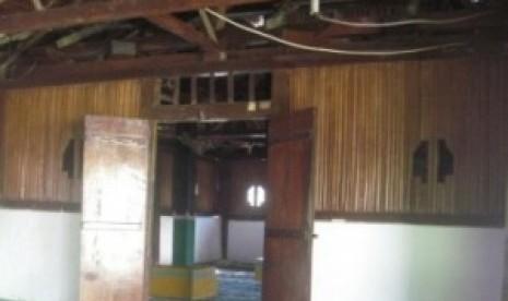 Kyai Kampung Ujung Tombak Pertahanan Islam